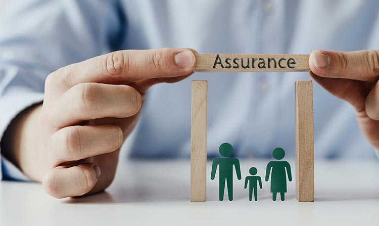 Pourquoi faut-il rester discret avec une assurance décès toute causes ?